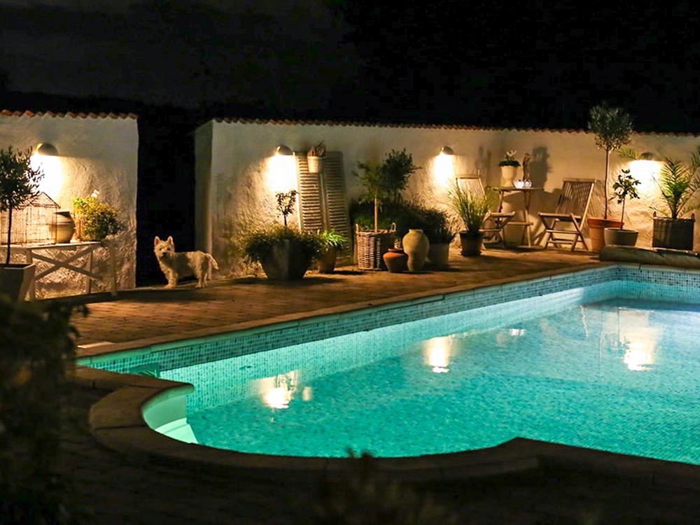 poolbelysning tänd pool Miami Pool